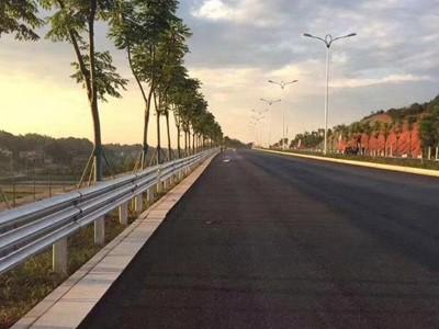 公路护栏护栏厂家 公路护栏定制 公路护栏批发 广西众志程交通设施