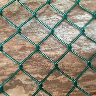 广西南宁篮球场围网  球场围网 球场勾花围网生产厂家