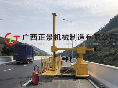 拱桥桥梁雨水管安装机器