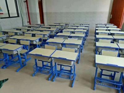 南宁市中学生课桌椅生产厂家 中学生课桌椅一套价钱