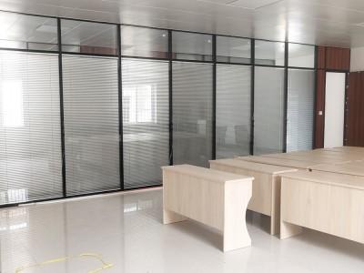 广西百页隔断玻璃厂家 办公室隔断玻璃安装 百页玻璃价格实惠