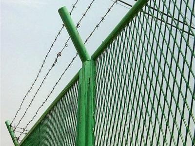 广西护栏网厂家批发 球场护栏网批发 双边护栏网厂家直销