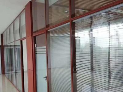 防城港百叶办公隔断钢化玻璃固定隔断玻璃磨砂店磨砂供应商