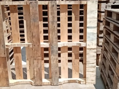 回收广西二手旧木托盘塑料托盘卡板栈板地台板