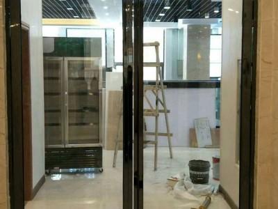 广西南宁防火门批发 电梯间不锈钢玻璃防火门 商场防火玻璃门厂家直销