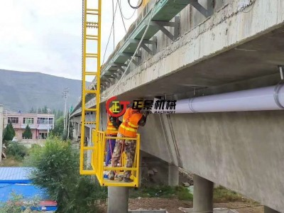高速公路桥下安装下水管机器