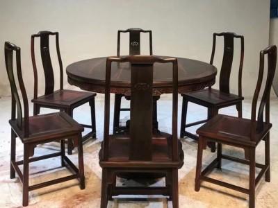 大红酸枝 交趾黄檀-清乾隆年间-独挺柱圆餐桌