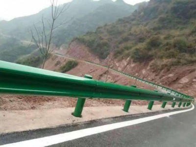 玉林公路护栏 乡村护栏 波形护栏 护栏厂家