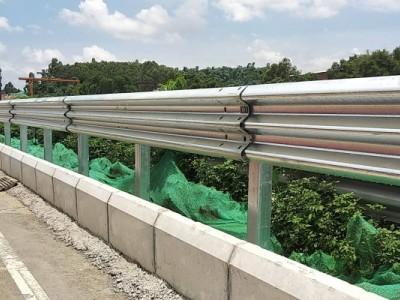 贺州护栏 公路护栏 乡村护栏 高速护栏厂家