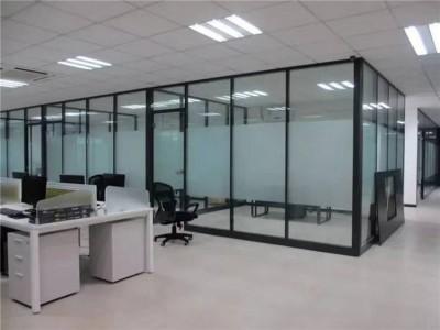 广西隔断玻璃厂家定制  办公隔断酒店隔断安装服务  隔断玻璃厂家直销