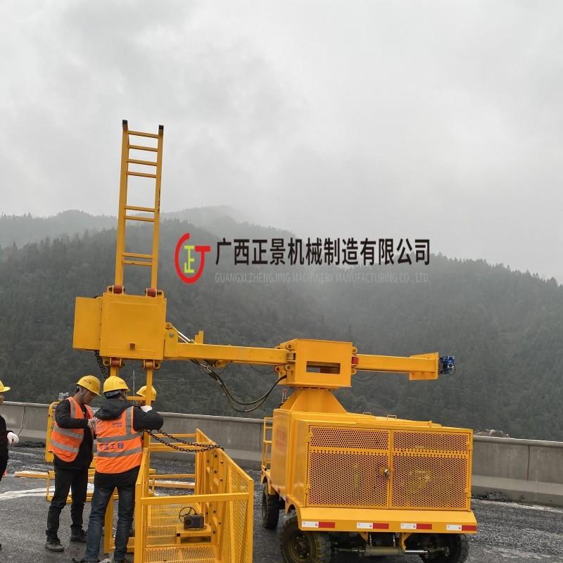安装桥梁落水管简易挂篮 高速桥下水管安装车 公路排水管施工设备