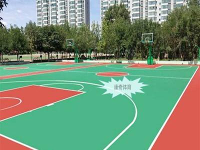 硅PU工地塑胶篮球场造价人造草足球场拼装地板报价厂家