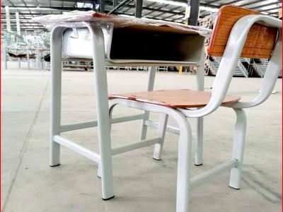 横县中小学生课桌椅大概多少钱一套