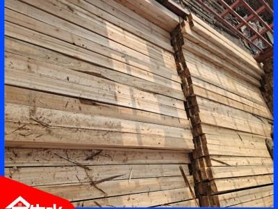 优质杉木木方 不易变形 不易断 减少30%的损耗 提高工程收益