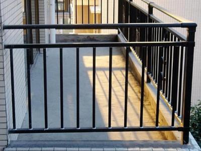 广西南宁 热镀锌管栏杆 阳台 飘窗 楼梯 厂家直销 测量安装