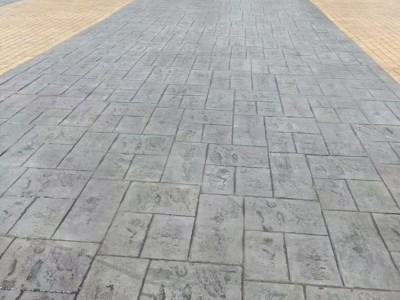 广西广场压花地坪材料 公园小区艺术压花压模地坪工程